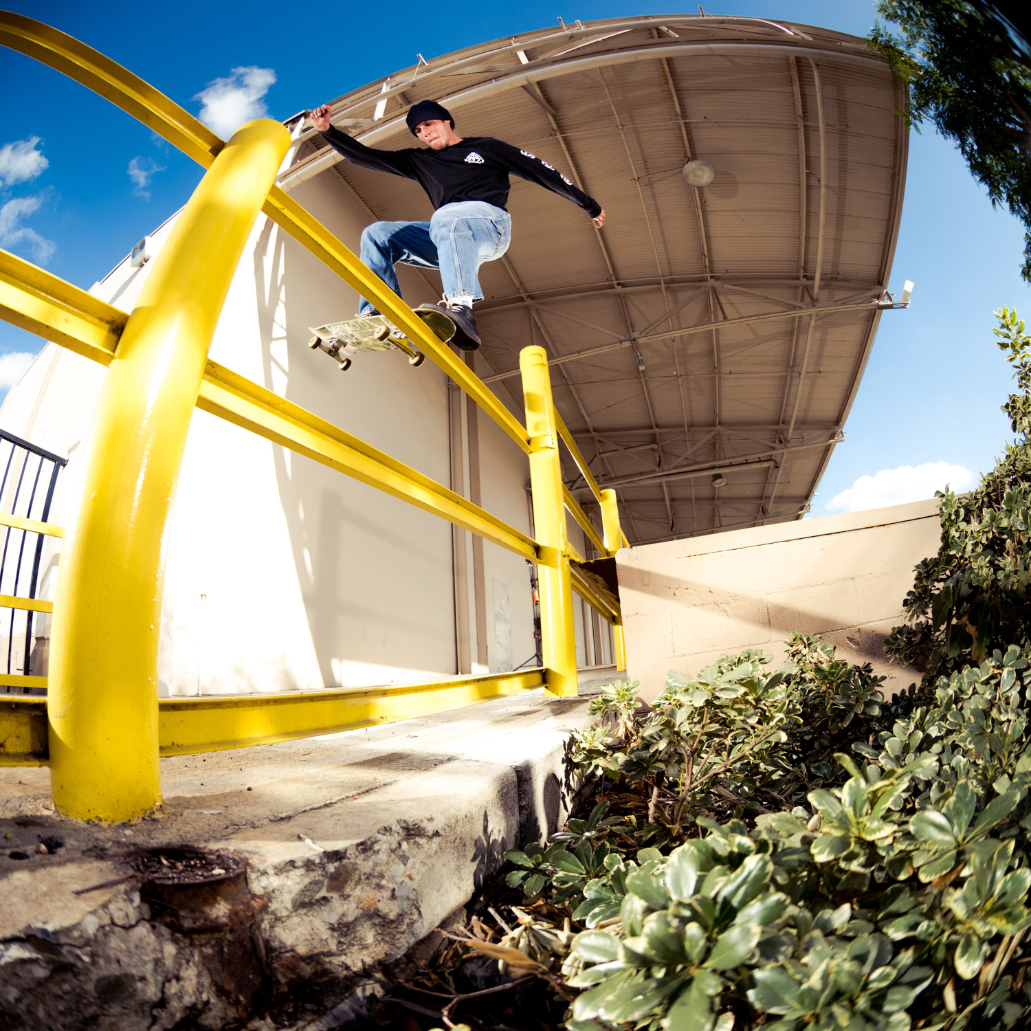Sammy Montano  – Globe Part